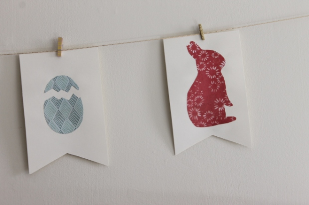 egg and bunny bunting flag