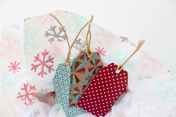 DIY last minute holiday gift tags from Popcorn & Chocolate