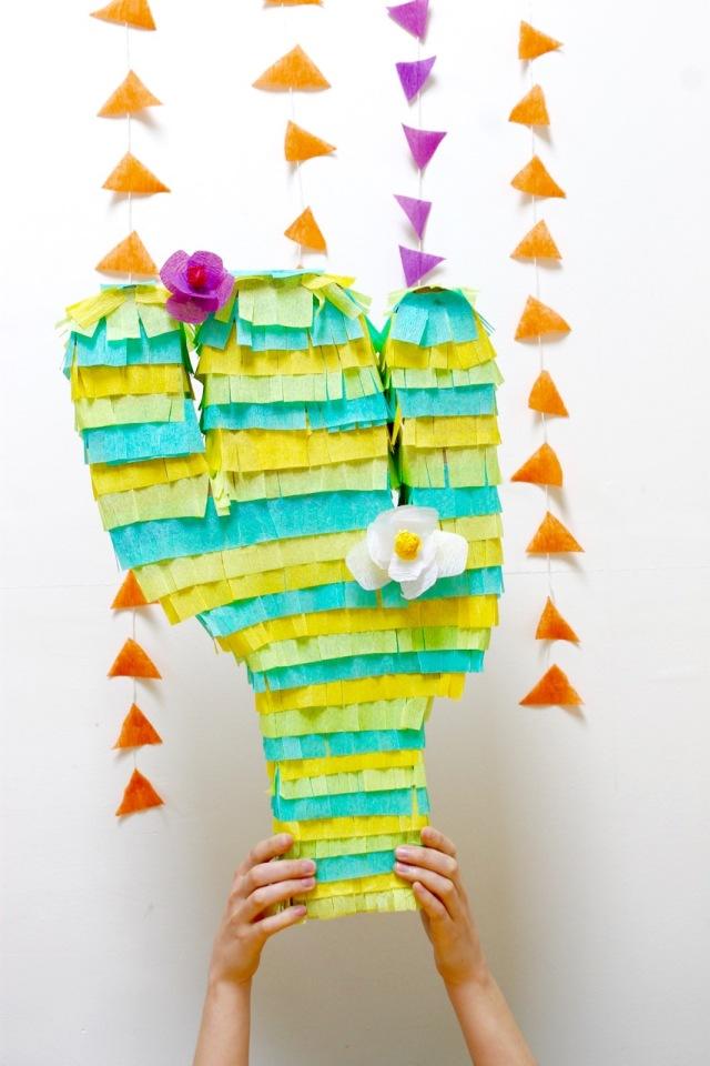 DIY Piñata shaped like a cactus   Popcorn & Chocolate