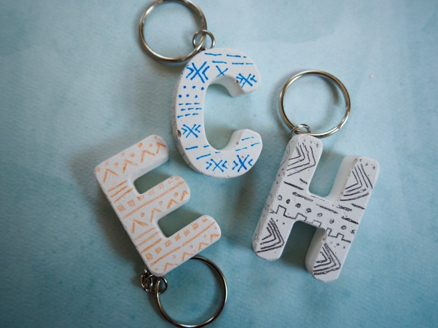 DIY Mud Cloth Inspired Plaster Keychains | Popcorn and Chocolate